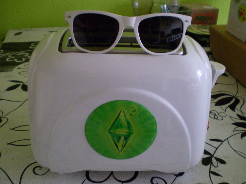 #0054 re-load energy spray und Sims 3 Toaster + Geeksonnenbrille