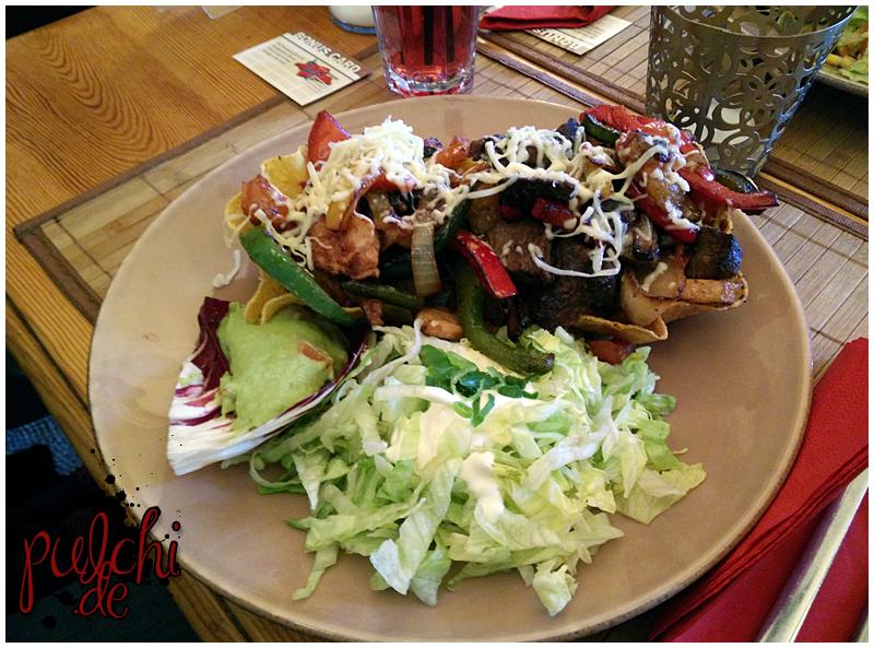 Tacos con pollo y carne