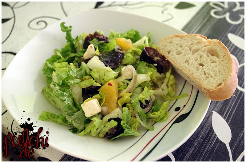 fertiger Salat mit Pruneau d'Agen und Schafskäse