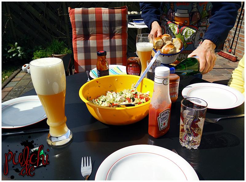 Bis das Fleisch fertig ist: leckerer Salat