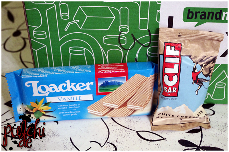 "Loacker Classic ""Vanille"" || CLIF Bar ""White Chocolate Macadamia Nut"""