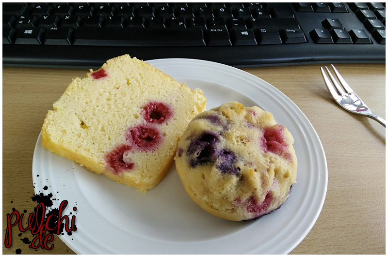 Himbeer-Grieß-Kuchen und Blaubeer-Joghurt-Muffins