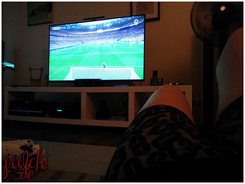 Situps und Co beim Fußball gucken machen